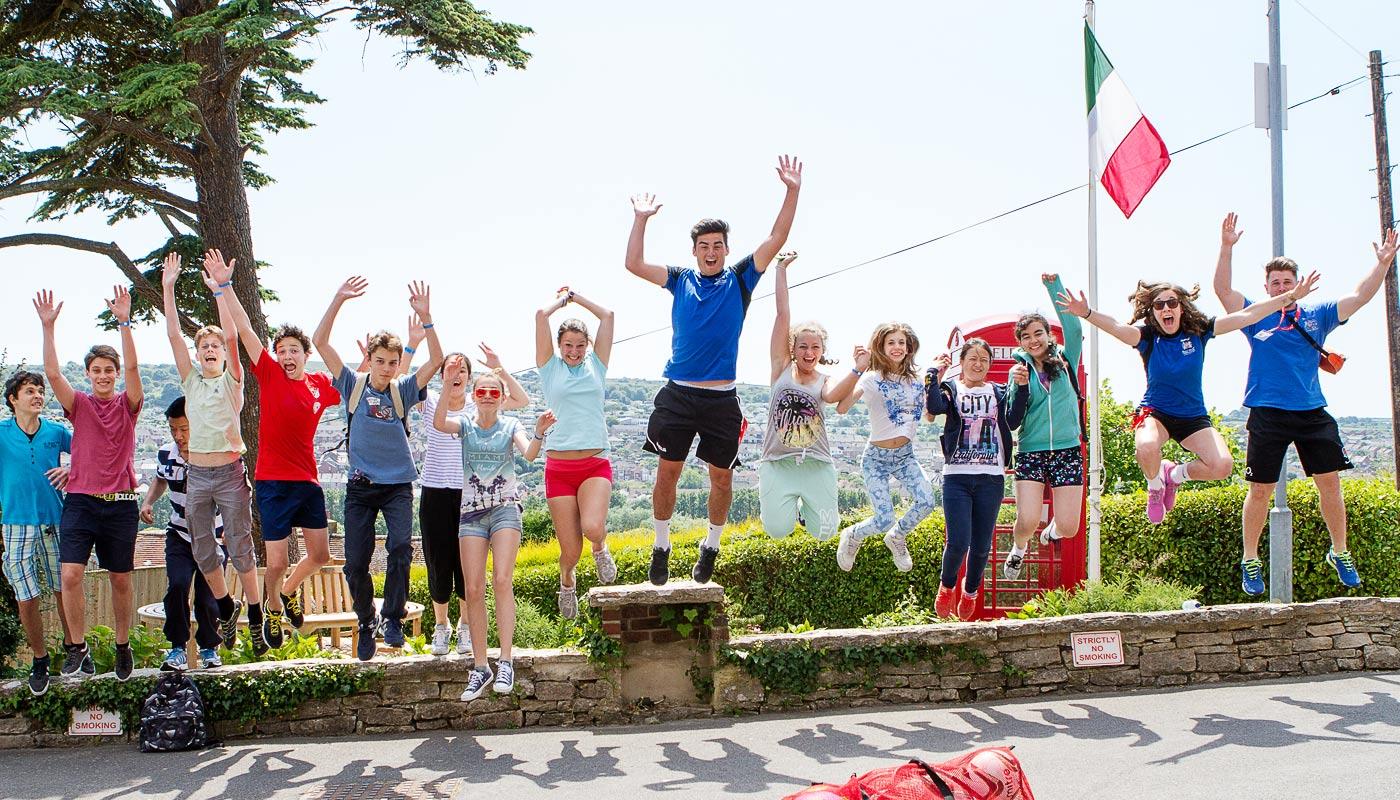 Harrow House Summer School met zwembad